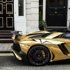 #BlackandGold Lamborghini Aventador