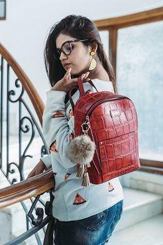 You need no excuse to look gorgeous; the diva in you is born to shine. #partycollection #DesignerWallet #AutumnWinter #LatestCollection #Latestbag #Leatherbags #AutumnWinterCollection #NowInIndia