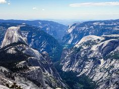 Packed full of incredible hiking trails, Yosemite National Park is one of the world's most famous mountain parks, and for good reason – it's magnificent!