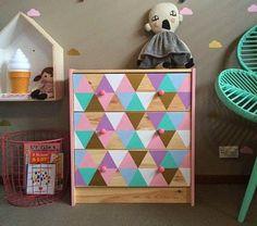 combi couleurs et formes hack armoire contreplaqué