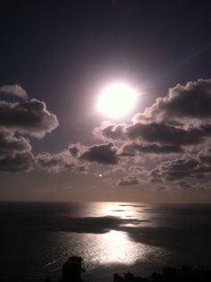 The beautiful sunset of Oahu from Diamondhead
