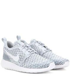 Nike Roshe One Flyknit sneakers