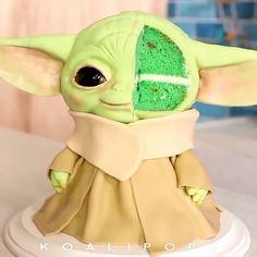 Star Wars Birthday Cake, Star Wars Cake, Star Wars Party, Star Wars Cupcakes, Fancy Cakes, Cute Cakes, Yoda Cake, Star Wars Food, Anniversaire Star Wars