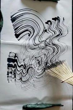 Demonstration of African Fiber Fan brush from Elizabeth Schowachert Art Grafik Art, Basic Art Techniques, Tracing Art, Abstract Painting Techniques, Art And Craft Videos, Hand Painted Fabric, Fan Brush, Art Sculpture, Art Textile