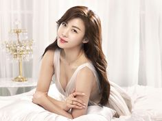 South Korean actress Ha Ji Won is the latest actress to endorse the jewelry brand Stylus. The campaign, entitled 'She whom you can't help but love,' will be targeting those in their and with their 'H Collection' for Ha Ji Won. Female Actresses, Korean Actresses, Korean Actors, Cute Beauty, Beauty Art, Drama Korea, Korean Drama, Korean Beauty, Asian Beauty