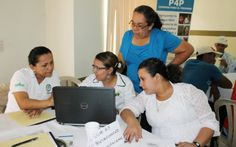 WFP trains and develops the capacity of women to increase their active participation in decision-making and management positions of their cooperatives, as well as in their communities and families. (Photo: WFP/Julissa Aguilar, 5 March 2015)