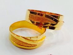 Tie your love eternally .... Wedding Band Couple Rings