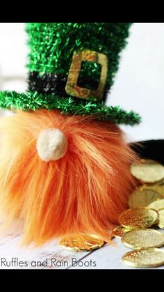 Oh my gosh! He's so cute and I love the orange fur! In a quick crafting session, you can make this adorable leprechaun gnome for St. Red Crafts, St Patrick's Day Crafts, Quick Crafts, Holiday Crafts, March Crafts, Nifty Crafts, Holiday Ideas, St Patricks Day Socks, Diy Snowman Decorations