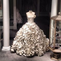 Pnina Tornai 20K icing dress Wow - i wouldnt wear this but i can appreciate its extravagance