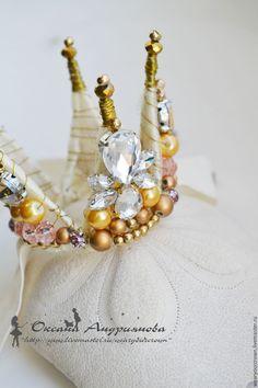 Купить Корона Золото/шампань со стразами из проволоки и бусин. Для принцессы. - золотой, шампань, бежевый