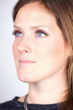 Lisa's beeindruckende Wimpern! In Düsseldorf sorgen Aquaro-Die Wimpernprofis stolz für die perfekte Wimpernverlängerung, die in Synthese zu Lisa's natürlicher Schönheit steht.