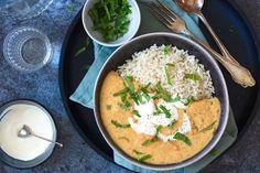 Curry, we houden er van! Zo'n super makkelijke, snelle maar vooral lekkere maaltijd, mmm... Aangezien het alweer even geleden is dat we ons recept voor een heer