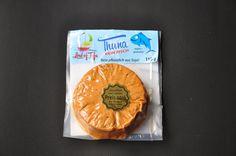 """Heute haben wir den"""" Thuna kein Fisch"""" von Lord of Tofu im Kühlregal unseres Biomarktes entdeckt. Ein Fischersatzprodukt haben wir bisher noch gar nicht getestet. Und für 1,99€ für 110g…"""