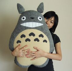 """hope comic alley orders the 34"""" totoro plush i want!"""