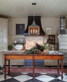 20 Timeless Kitchens You'll Love FOREVER! - Mark Maresca Kitchen – antique work table You are in the right place about kitchen mode - Old Kitchen, Kitchen Dining, Kitchen Decor, Kitchen Ideas, Antique Kitchen Island, Kitchen Cabinets, Decorating Kitchen, Rustic Kitchen, Decorating Ideas