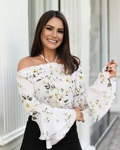 {New Collection} Details! Fashion Outfits, Womens Fashion, Classy Outfits, Shirt Blouses, Spring Outfits, Floral Tops, Ideias Fashion, Ruffle Blouse, Couture