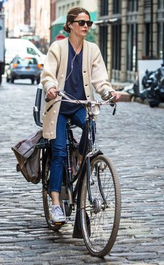 Keri Russell from The Big Picture: Today's Hot Photos Looks Style, Mom Style, Keri Russell Style, Earthy Style, Retro Stil, Celebrity Workout, Cycle Chic, Bicycle Girl, Bike Style