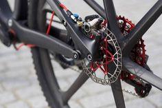 serie bikes notaveis - Specialized Epic Sworks com rodas de carbono_2