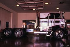 1968 White Freightliner WFL10064T ITS show truck - RH side by Pat Durkin - Orange County, CA, via Flickr