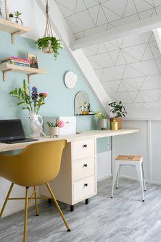 Room Design Bedroom, Home Bedroom, Girls Bedroom, Small Workspace, Chill Room, Loft Office, Teenage Room, Attic Rooms, Spare Room