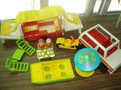 Vintage Fisher Price Pop up * Just bought one off of ebay for the kids to play with while we use OUR pop up camper !