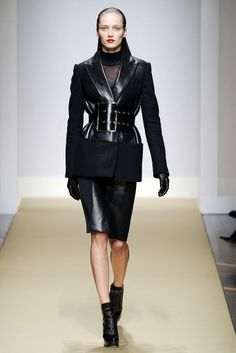 Gianfranco Ferré | Fall 2010 Ready-to-Wear Collection | Style.com