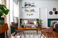 Clever Space-Saving Ideas for Decorating a Studio Apartment >> http://www.diynetwork.com/how-to/make-and-decorate/decorating/stylish-studio-makeover-pictures?soc=pinterest