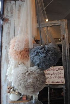 Love the colors and look of these tulle pompoms....amazing!