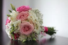#romantisch #rozen #gipskruid #lisianthus #biedermeier #bruidsboeket #trouwen #huwelijk #bruid #roze #wit #trouwboeket #boeket #bloemen