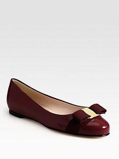 Salvatore Ferragamo - Varina Patent Ballet Flats - Soo in love with these! Salvatore Ferragamo, Shoe Boots, Shoes Sandals, Top Shoes, Louboutin, Unique Shoes, Pretty Shoes, Dream Shoes, Manolo Blahnik