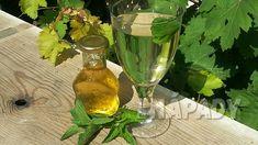 Jak připravit domácí mátový sirup | Prima nápady Hurricane Glass, Flute, Glass Vase, Champagne, Drinks, Tableware, Food, Eye, Home Remedies