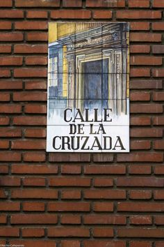 En el Distrito de Palacio. Va de la Plaza de Santiago a la Calle de San Nicolás