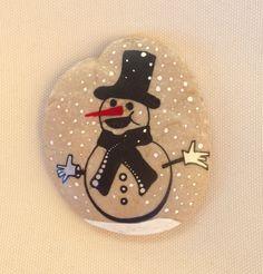 Christmas Snowman Gift  Decoration Painted rock Beachstone Colourful Vibrant Christmas Snow Snowman Christmas table