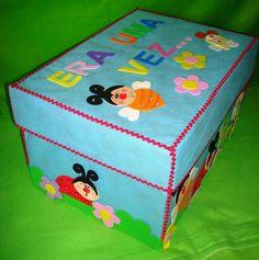 Caixa para histórias Art N Craft, Craft Box, Preschool Arts And Crafts, Crafts For Kids, Pvc Tent, Playgroup Activities, Felt Stories, Kindergarten Art, School Decorations