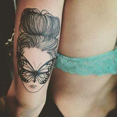 Qual legenda você daria para essa tattoo? Nós daríamos: Transformação! Tatuagem feita por @marilia_tattoo ❤️ Atendimento com hora marcada Barra da tijuca | Jacarepaguá | Gávea • Rio de Janeiro | + infos: lia.tattoo@hotmail.com