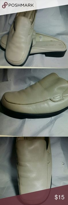 Cherokee leather mules Beige, 9M New without tags one pair of Cherokee mules. Leather uppers. Rubber Sole.  Ladies 9M Excellent condition Cherokee Shoes Mules & Clogs