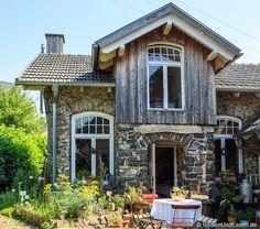 Du sehnst dich nach Frankreich oder spezieller der Provence? Dann solltest du die kleine Fromagerie in Oberrod im #Westerwald besuchen. Mein Rundgang in Bildern.