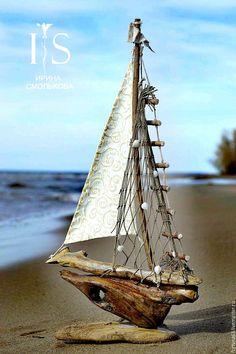 Driftwood Beach, Beach Wood, Driftwood Art, Boat Crafts, Diy Home Crafts, Driftwood Projects, Seaside Style, Driftwood Sculpture, Sea Art