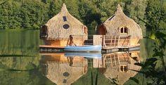 Cabanes flottantes sur un lac... :-) #insolite #hotel