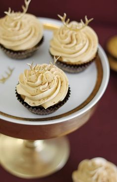 Sprinkle Bakes: Pumpkin Butterscotch Chip Cupcakes