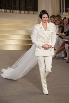 Wedding Bridal Dress // Karl Lagerfeld collection fall winter 2015-2016 // Tailleur with pants