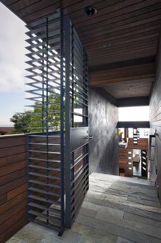 Modern Wood Iron Doors Design Ideas, Pictures, Remodel and Decor Trellis Design, Front Gates, Entrance Gates, Tor Design, House Design, Iron Trellis, Grill Door Design, Window Bars, Iron Gate Design
