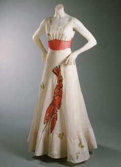 art and fashion Elsa Schiaparelli, Salvador Dali, The Duchess, Wallis Simpson, John Galliano, 1930s Fashion, High Fashion, Fashion Fashion, Skeleton Dress