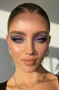 Cute Makeup, Glam Makeup, Pretty Makeup, Skin Makeup, Beauty Makeup, Makeup Eyeshadow, Glamour Makeup Looks, Metallic Makeup, Eyebrow Makeup