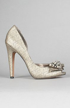 I wish I could afford to wear these at my wedding - fun!