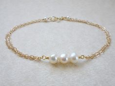 Freshwater pearl bracelet, Three pearl bracelet, Simple everyday bracelet, Bridesmaid bracelet
