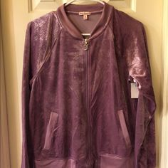 Juicy Couture NWT zip front jacket size S NWT zip front jacket has 2 front pockets. Size S tag attached no flaw Juicy Couture Jackets & Coats