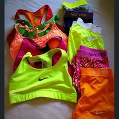 nike shoes Nike outfits for the fitness family. Cute Athletic Outfits, Cute Gym Outfits, Nike Outfits, Athletic Wear, Sport Outfits, Running Outfits, Running Tips, Nike Running, Running Shoes