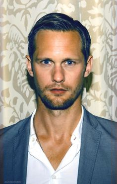 "Alexander Skarsgard ""he's so pretty I want to cry"""