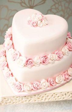 valentine.quenalbertini: Valentine Cake